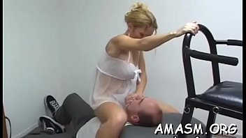 Real non-professional woman smothering dude when enjoying cunilingus