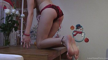Holiday theme porn - Seductive teen babe wishes you a merry christmas
