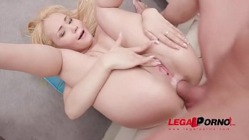 Natasha Teen plays with huge dildos before DAP session with 4 cocks SZ2371