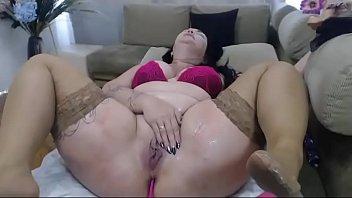 amateur babes masturbating