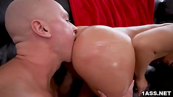 Bubbly ass Kelsi Monroe rides dick after sucking it