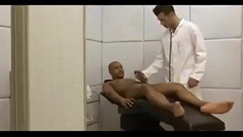 Doktor medikal fetish gay Drew brody socando médico