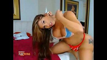 Huge booty colombian babe twerking it for me - Tubeputas