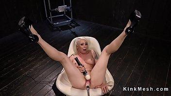 Fucking machine free galleries Blonde sits in chair and fucks machine