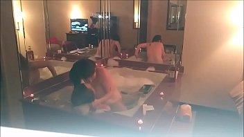 Big tits Atlanta girl having sex in bath