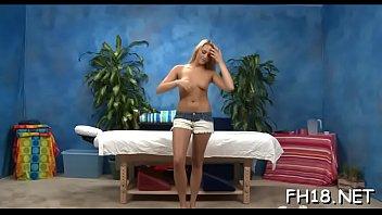 Magnificent blonde floozy Mia Malkova delighting guy with fellatio Vorschaubild
