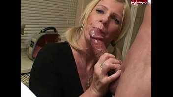 Hed it pe suck up Arschprinzessin - deep fucked in the mouth cunt