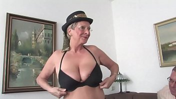 The aunt with big tits always wants to fuck