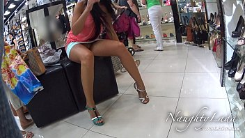 Public exposer flashing upskirt no panties No panty shopping
