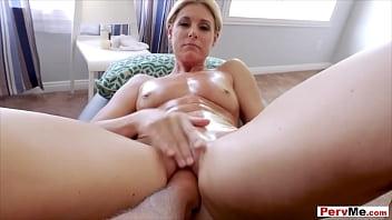 Stuffing my sexy MILF stepmom like a turkey
