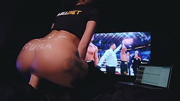 Brunette Riding on Dildo and Bets on Fedor Emelianenko at Melbet Bookmaker صورة