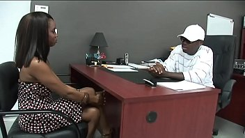 You porn black girl Black stud gets to fuck a hot ebony girl in his office.xxblacks.com
