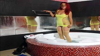 Bailando Y Foll ando En La Bañera    By tilde;era    By Weedhotsama