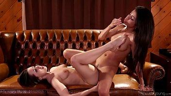 Toni rodriguez porn Veronica rodriguez helps jenna sativa table dance - webyoung