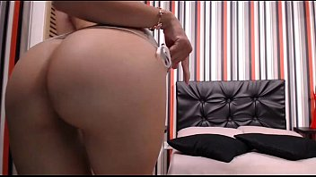 SarithaBrown modelo latina -  I want you to pat my ass until milk comes out of your cock
