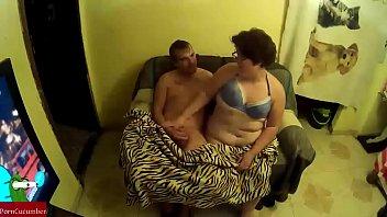 intercambio de flujos entre una manta de leopardo y un sofa hasta llenarlo todo de corrida GUI076
