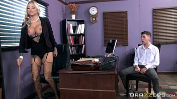 Molly shannon tits - Brazzers - tatooed milf britney shannon takes charge