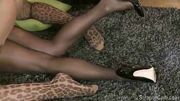 599 720p 29f 7b high-heels