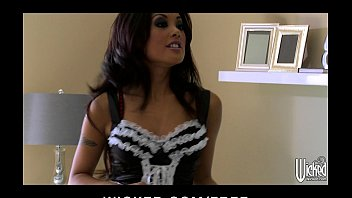 Sexy Asian maid Kaylani Lei cleans up her client's house & dick
