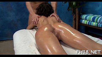 Sexy sexy chick fucks and sucks her massage therapist