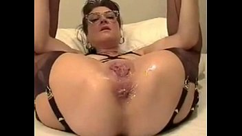 Inserting worms in my cunt for pleasure - Truly penetrated cunt of 45 years old anita