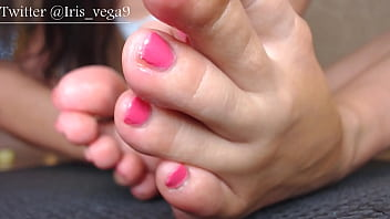 Teen asian girl oiled soles and rub toes