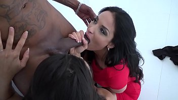Penetration envy Anissa kate, alexa tomas dilaté par une queue de black