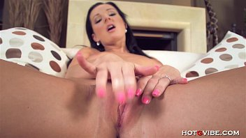 Classy Cougar Cums Loudly