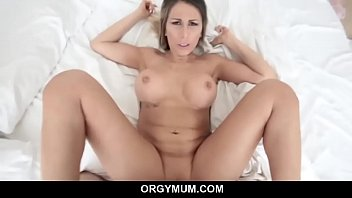 Mommy sucks off big dick and craves for hardcore smashing - Makayla Cox