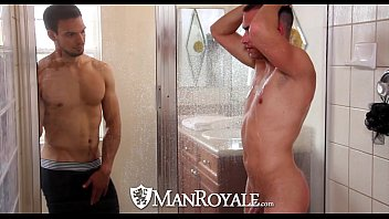Gay man zes - Hd - manroyale boyfriends share a shower before sex