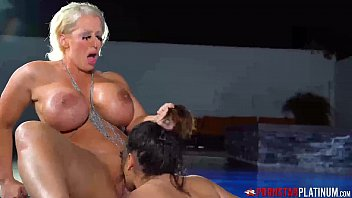 PORNSTARPLATINUM Lesbian Alura Jenson Eats Pussy In The Pool