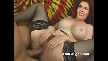 Streaming Video Bigtit cougar in stockings takes hard pounding in her hairy pussy bareback - XLXX.video