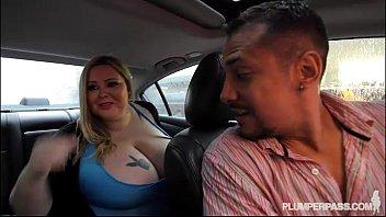 Sexy BBW Mandy Majestic Fucks Uber Driver 5 min