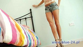 pretty sweet blond girl masturbation pussy http://culoculo.pl