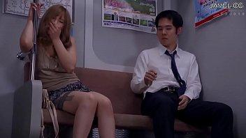 Tưởng Gặp Hot Girl Ngủ Gật, Ai Ngờ Đụng Phải Gái Dâm - Xem Full Video 1080p FHD @ Javcl.cc/smxc thumbnail