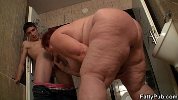 Super huge tits bitch fuck in the restroom