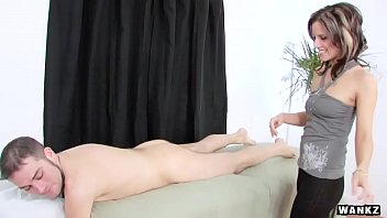 WANKZ- French Masseuse Gives Happy Ending thumbnail