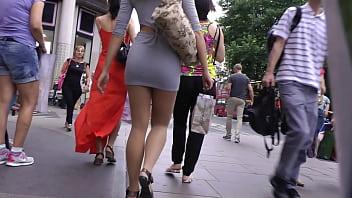 Public Girl in tall Skirt