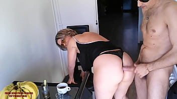 Mom who loves hard fucking, a coffee a beautiful hot blonde a blowjob a good ass a good fuck HD.
