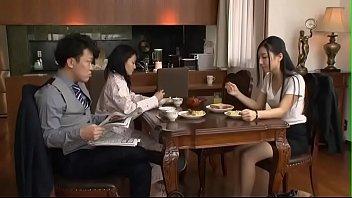 Em Gá_i Xinh Đi Lạc Và_o Phò_ng Anh Rể