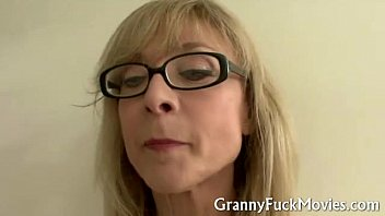 Granny shows how it is done - 69VClub.Com