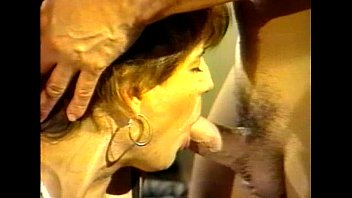 LBO - Mr Peeper Amatuer Home Video Vol89 - scene 1 - extract 2