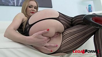 Hot Russian milf Nika double anal training