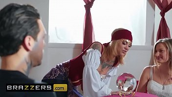 (Bonnie Rotten, Small Hands) - I See Sex In Your Future - Brazzers