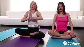 Penelope Reed & Summer Day Enjoy Some Post Yoga Pussy