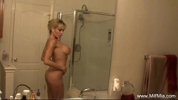 MILF In The Bath Time