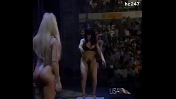 Naked runnels terri - The kat and terri runnels strip off their clothes.