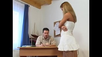 Bodacious blonde sucks fat cock in home the office.
