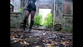 Sex with blonde hooker in abandoned building