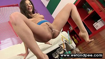Vibrator play for piss loving babe Hennessy